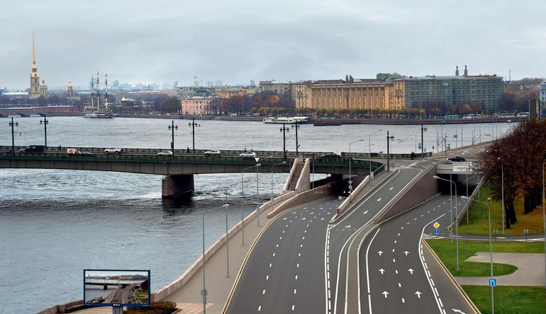 Дорожное строительство в Петербурге за полгода профинансировали на 31,7%