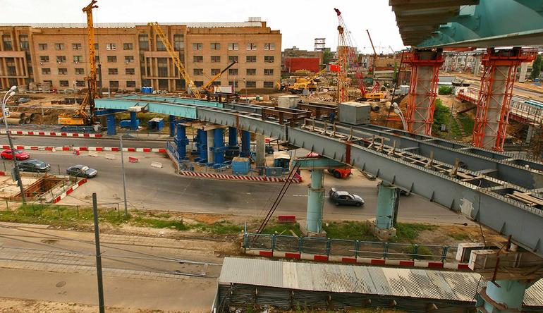 Последние этапы строительства на шоссе Энтузиастов