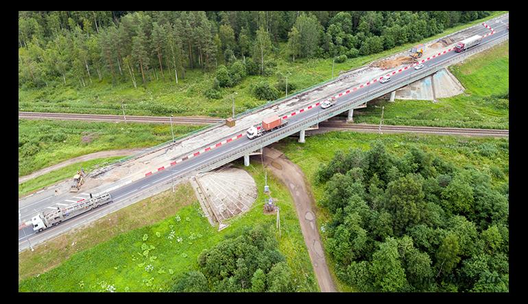 Новый путепровод на автодороге М-10